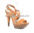 Plataforma de calcanhar de madeira sandálias da moda 2013