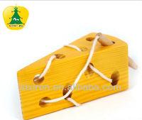 The stringing game/Montessori toys