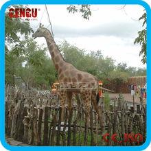 Lifesize animatronic giraffe