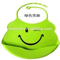 OEM Custom logo top quality animal print 100% silicone baby bibs