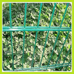 2015 new High-Quality Pvc Coated Security Welded Wire Mesh Fence Panel( Factory)