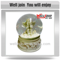 Wholesale different kinds of glass snow globe for souvenir gift