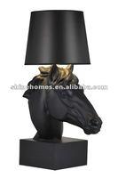 2015 Hot Sale Popular Classic Simple Creative Indoor Decorative Resin Horse Head Modern Table Lamp Desk Lamp (SH01TBRS0177)