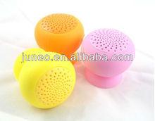 Suction cup aluminum wireless bluetooth speaker