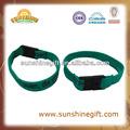 Logo personalizado impreso prmotion tela banda de la muñeca / cordón de la pulsera / de la tela auto banda