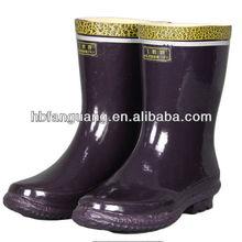 Mid-cut industriale stivali di gomma di sicurezza. Scarpe isolanti. Stivali di sicurezza
