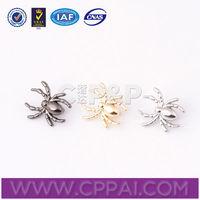 Metallic labels spider shape hangbag logos