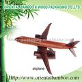 avión de madera de fabricación artesanal de regalo festvial madera color de rosa de avión oem