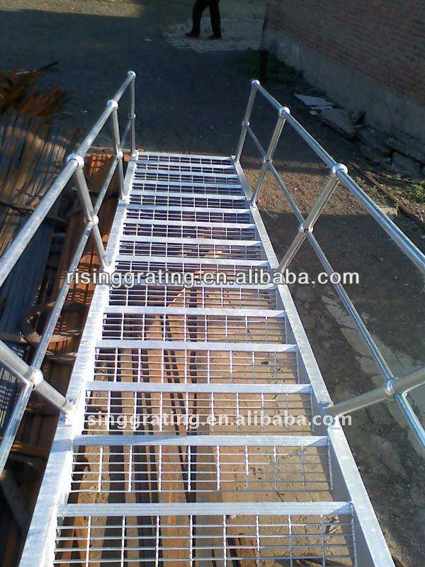 M tal grille escalier ext rieur iso fabrication ou de l for Fabricant escalier exterieur