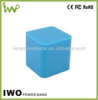 factory offer 2400mAh smart universal ORIGINAL iwo power bank for iphone, consumer electronics