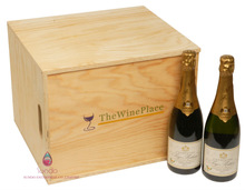 Supply large capacity wooden wine storage cases for 12 bottles