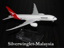 Qantas Boeing B787 DreamLiner Diecast Aircraft Scale Model
