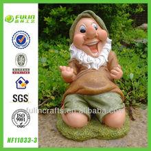 Kneeling Garden Resin Gnome Wholesale Gift Items