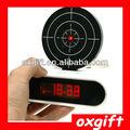Infravermelho oxgift alimentado por bateria despertador arma& tiro relógio despertador alvo laser relógio da novidade
