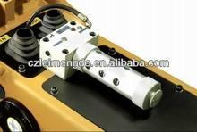 Auto grease device for hydraulic breaker, auto greaser