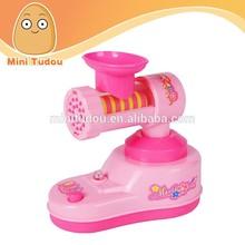 China fabricante crianças brincar de casinha brinquedos móveis mini aparelhos brinquedos moedor de carne com luz