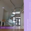 interiores de acero recta de la viga de madera escaleras con barandilla de vidrio