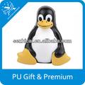 anti stress giocattolo personalizzati stampa logo morbida schiuma pu palla pinguino per la promozione