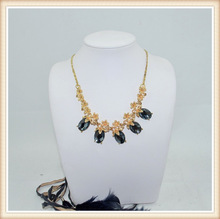 women fashionable gold statement necklace with rhinestone for wedding made in china