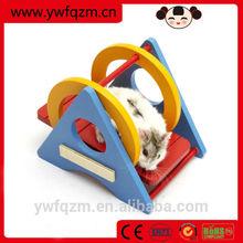 Wholesale handmade shaking wooden hamster toys