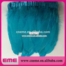moda teñidos de color cian lotes al por mayor de pluma de ganso con orillo traje de adorno