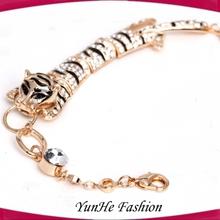 China Fashion Leopard Crystal Twist Beaded Bracelet Stretch