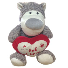 2014 new design soft Plush Stuffed Bear with red heart