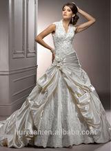 Newest sleeveless Deep V Neck A-line Little Train Lace Bride Dress