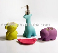 C-101-019 Lovely Animal Ceramic Bathroom Accessory (Rubber Painting)
