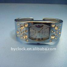On sale- 2012 Fashion design watch ladies