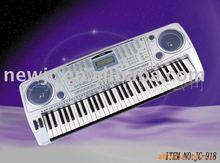 standard classic electronic keyboard of 61 keys
