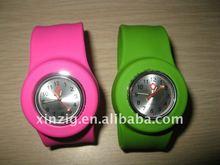 Fashion cheap Silicone slap watch