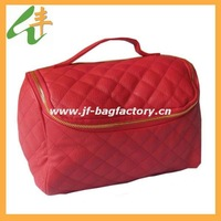 professional manufacture of leather cosmetic bag