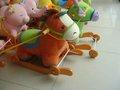 Coloridos brinquedos música cadeira de madeira do bebê de pelúcia cavalo de balanço