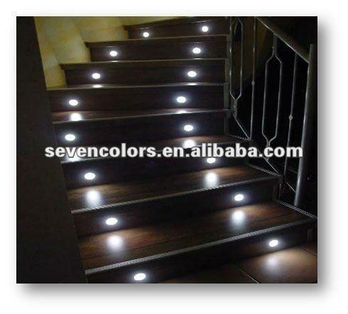Escalier encastr led escalier clairage ext rieur socle for Eclairage escalier exterieur led