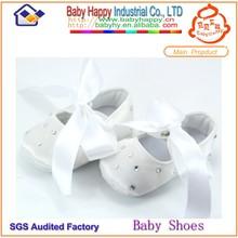 White hot sales fashion wholesale fabric infant dress shoes