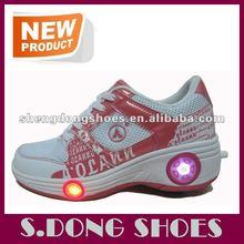 Hot selling led flash roller skate shoes light