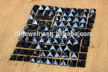 la obsidiana naturales de cristal de cuarzo pirámide punto de curación
