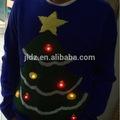 Feo de la navidad de suéter de punto con la luz llevada