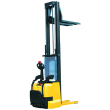 Power Lifting and Moving Forklift Stacker 2Tonne Capacity