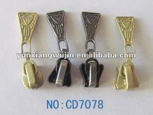 2013 fashion customized zipper sliders