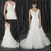 EB-029 New Arrival V Neck Straps Beautiful Appliques Wedding Dress 2013