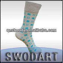 China wholesale cheap comfortable simple design long socks custom mid calf socks