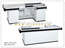 Checkout counter with sensor conveyor belt