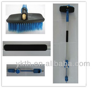 Telescoping Car Wash Brush With Soap Dispenser And Water Flow