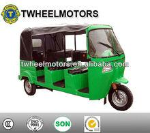 3Rows Bajaj tricycle con caja de equipaje en la parte trasera