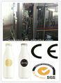 frasco de vidro de leite que faz a máquina