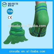 2014 Hot Products! Anti-slip Gym Five Toe Cotton Pilates Yoga Socks