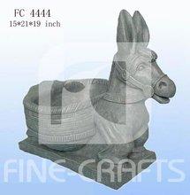 Polyresin garden flowerpot with animal figurine
