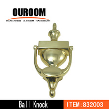 Door knocker with viewer